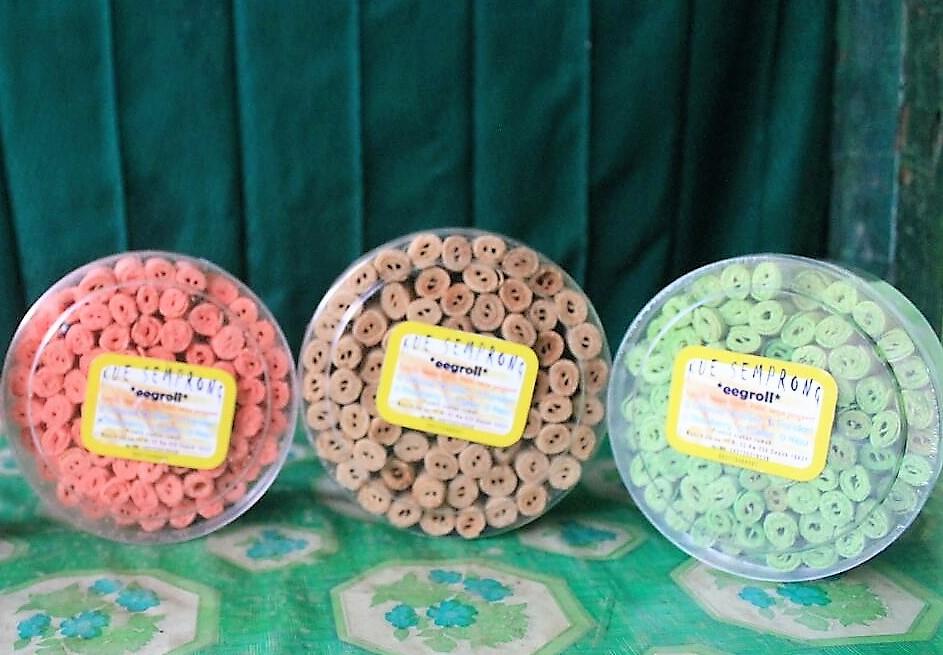 Paket Kue Semprong Eggroll (Strawberry, Pandan, Wijen)